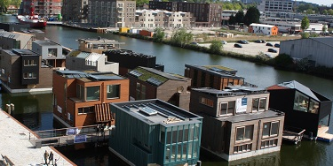 An ingenious design … floating homes in Amsterdam